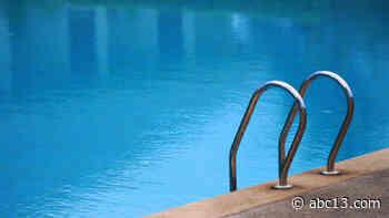 3-year-old found unresponsive in apartment pool, deputies say - KTRK-TV