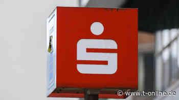 Leipzig: Sparkasse mit Steinen attackiert – Fenster beschädigt - t-online
