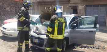 PATERNO': AUTO PRENDE FUOCO PER CORTO CIRCUITO - 95047