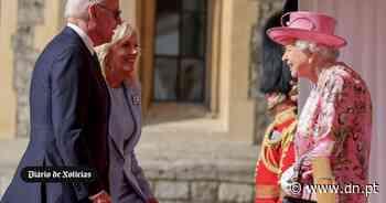 Biden despede-se de Inglaterra depois de tomar chá com a rainha - Diário de Notícias - Lisboa
