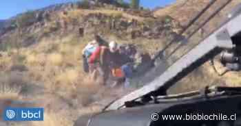 Hombre es hospitalizado tras caer al cerro Panul de Santiago mientras practicaba parapente - BioBioChile