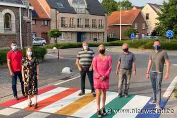 Eerste regenboogzebrapad van gemeente ligt in Sint-Antonius - Het Nieuwsblad