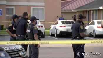 Person found shot to death in car at west Houston apartment complex, police said - KTRK-TV