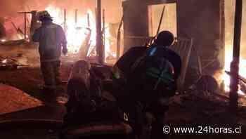 Incendio afectó a viviendas en campamento de Antofagasta - 24Horas.cl