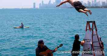 Chicago man jumps into Lake Michigan for 365th straight day - Assiniboia Times