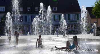 Erfrischung auf dem Marktplatz - Breisach - Badische Zeitung