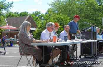 Residents declare Sunderland a 'safe community,' approve full Town Meeting warrant - The Recorder