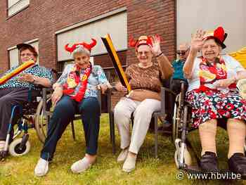 Bewoners WZC Melderthof maken EK-lied - Het Belang van Limburg
