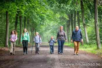 Liesbeth en Raf vonden te weinig kindvriendelijke wandelingen op het internet, twee jaar later telt hun wandel - Het Nieuwsblad