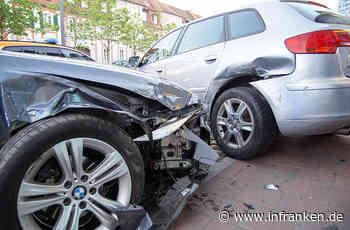 Ansbach: Auto prallt in geparkten Wagen - Fahrer und Kleinkind müssen ins Krankenhaus - inFranken.de