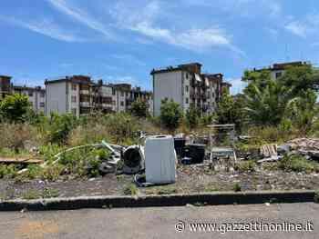 Giarre, quartiere Jungo: giardini di sterpaglie a rischio incendi - Gazzettinonline