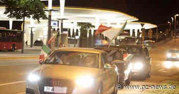 Italien besiegt Türkei - Rund 100 Fahrzeuge schließen sich in Pforzheim zu Korso zusammen - Pforzheim - Pforzheimer Zeitung