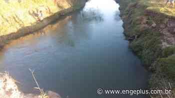 Bombeiros de Imbituba iniciam buscas de jovens após suposta queda de carro em rio - Engeplus