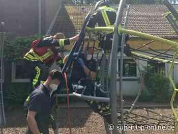 Kind in Klettergerüst eingeklemmt: Feuerwehr rückte aus - Langenfeld - Super Tipp