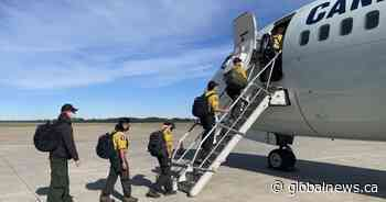 More firefighters leave Alberta for Ontario on Sunday to help battle wildfires - Global News
