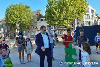 Kinderen bedanken gemeentebestuur Sint-Agatha-Berchem voor veilige schoolomgeving