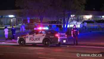 3 killed in 2 shootings less than an hour apart in Toronto