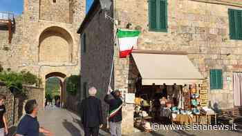 """Monteriggioni inaugura Piazza Dante, Barbero: """"Si può fare cultura anche fuori dalle metropoli, qui c'è l'esempio"""" - Siena News"""