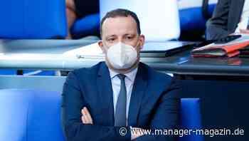 Jens Spahn: Bundesgesundheitsminister spricht sich für ein Ende der Maskenpflicht im Freien aus