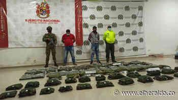 Dos hombres son capturados tras recibir uniformes de uso militar en Montería - El Heraldo (Colombia)