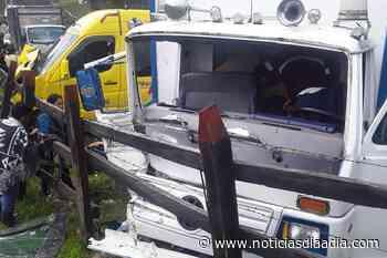 Accidente de tránsito entre Zipaquirá y Pacho, Cundinamarca - Noticias Día a Día