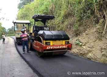Avanzan trabajos en la vía Salamina – La Merced - La Patria.com