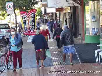 Primeiro dia útil pós lockdown tem filas e ruas movimentadas - Dourados News