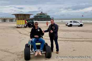 """Crowdfunding voor extra elektrische strandrolstoel: """"Mensen met beperking willen zelfstandig naar het strand"""""""