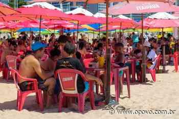 Barracas de praia na Beira Mar têm grande movimentação neste domingo, 13 - O POVO