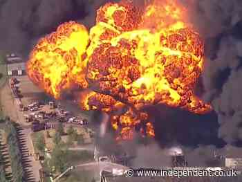 Massive explosion at Illinois chemical plant prompts evacuation