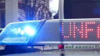 Nach zwei Unfallfluchten sucht die Polizei in Augsburg Zeugen