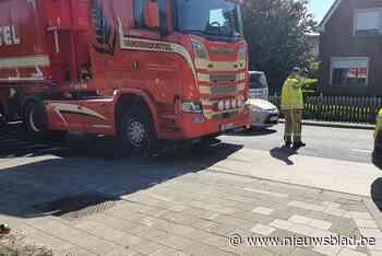Fietser (83) levensgevaarlijk gewond na ongeval met vrachtwagen op fietssuggestiestrook
