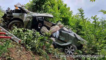 A45: Unfall zwischen Drolshagen und Olpe - Cabrio landet in Böschung - sauerlandkurier.de