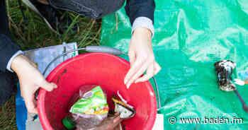 Schüler gehen Plastikmüll in Emmendinger Feuchtbiotop neben der Elz auf den Grund - baden.fm