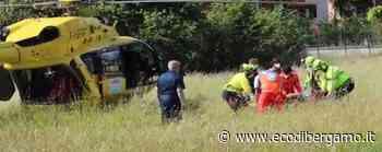 Clusone, cade in bici: 32enne soccorsa con l'elicottero - L'Eco di Bergamo