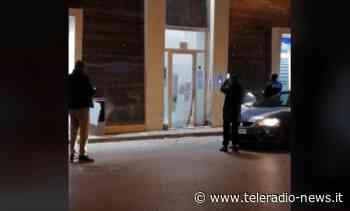 Terrore a Orta d'Atella, bomba carta contro attività - TeleradioNews