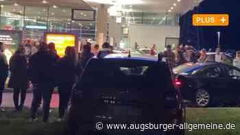 """Das Aus für Augsburgs """"Party-Tanke""""? So reagiert die Auto-Szene"""