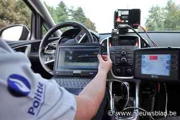 Levensgevaarlijk: bestuurder met rijverbod vlamt aan 109 km/u langs de Sleepstraat