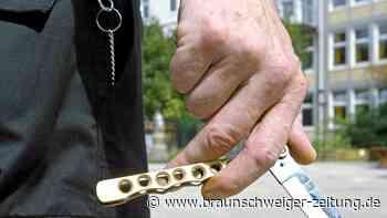 Räuber in Braunschweig zückt sein Messer