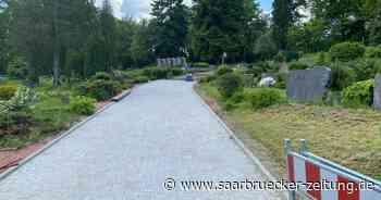 Beim Wegeausbau auf Friedhöfen in Sulzbach fehlen nur noch wenige Handgriffe - Saarbrücker Zeitung