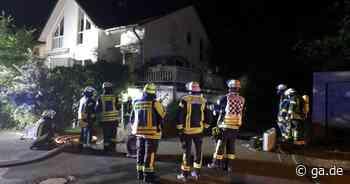 Bad Honnef-Selhof: Feuerwehr löscht brennendes Carport - General-Anzeiger Bonn