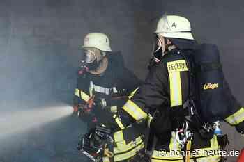 Feuerwehr rettet Person aus verrauchter Wohnung - Honnef heute