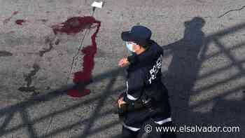 Agente de la Policía se disparó en la cabeza con su misma arma de fuego en Apopa - elsalvador.com