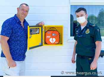 Buxted FC get new defibrillator kit that could save lives