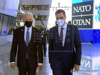 Sánchez habla brevemente con Biden antes del comienzo de la cumbre de la OTAN - Agencia EFE