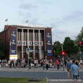 Bochum: Der Schauspielhaus-Vorplatz als Treffpunkt - Radio Bochum