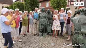 Plattdeutsch-Freunde in Hagenow: Plattsnacker versammeln sich am Fiek´n-Brunnen   svz.de - svz – Schweriner Volkszeitung