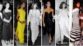 Caroline von Monacos Outfits beweisen: Sie ist eine der stilvollsten Royals Europas - VOGUE Germany