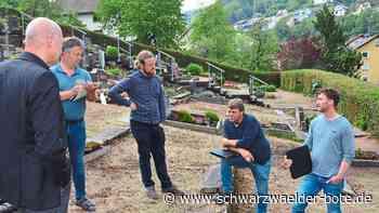 Am Lauterbacher Friedhof - Ärger um Mauer reißt nicht ab - Schwarzwälder Bote