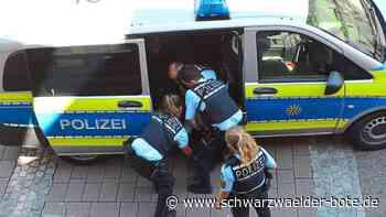 Randalierer in Schramberg - Betrunkener geht Polizisten an - Schwarzwälder Bote